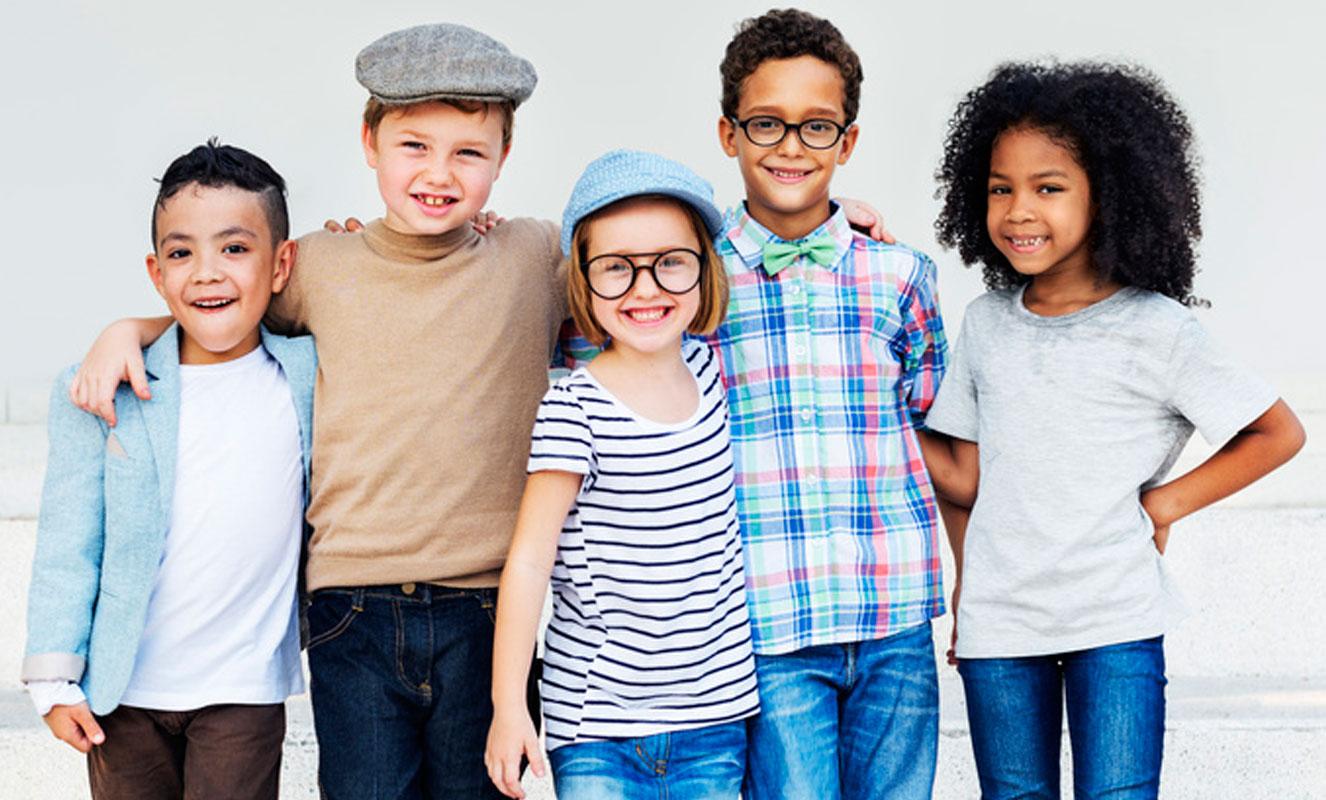 Zahnarzt für Kinder Kinderzahnarzt lachende Kinder Kinderzahnbehandlung Behandlung von Angstpatienten