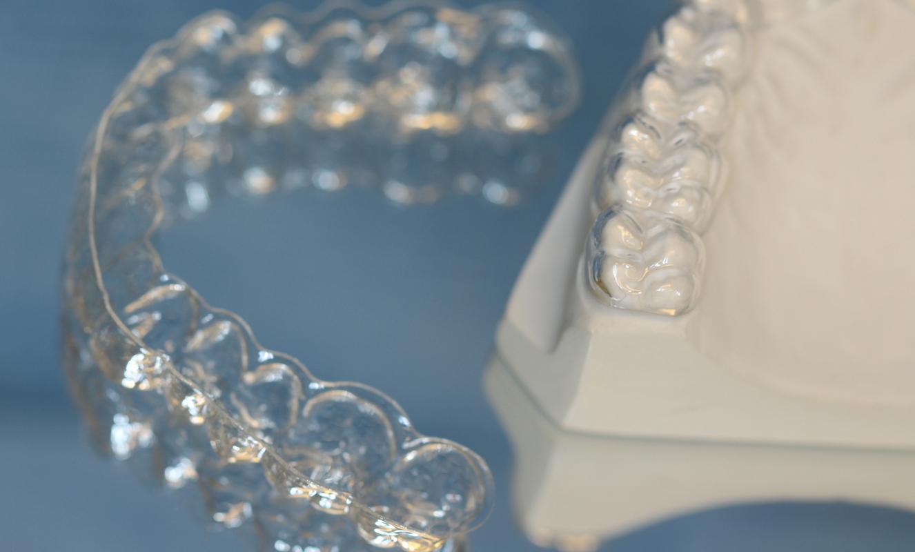 Zähneknirschen Kieferglenkserkrankungen NTI-Therapie Schienentherapie Trigenimus-Neurologie